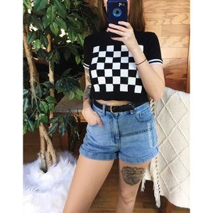 🌿 Checkered Cropped Ringer Tee 🌿